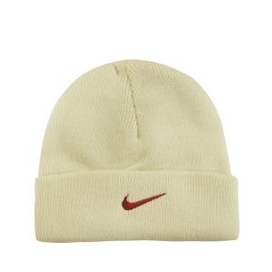 Детска зимна шапка Nike 204